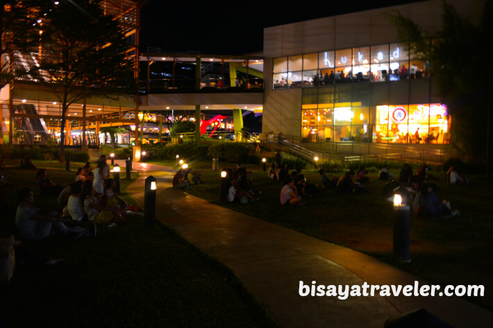 An Atmospheric Outdoor Movie Experience in Ayala Center, Cebu