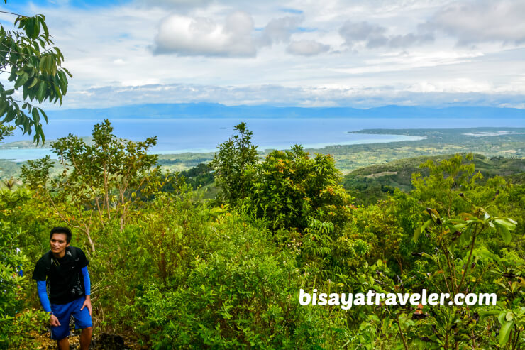 Candongao Peak: Venturing Badian's Surreal Highlands